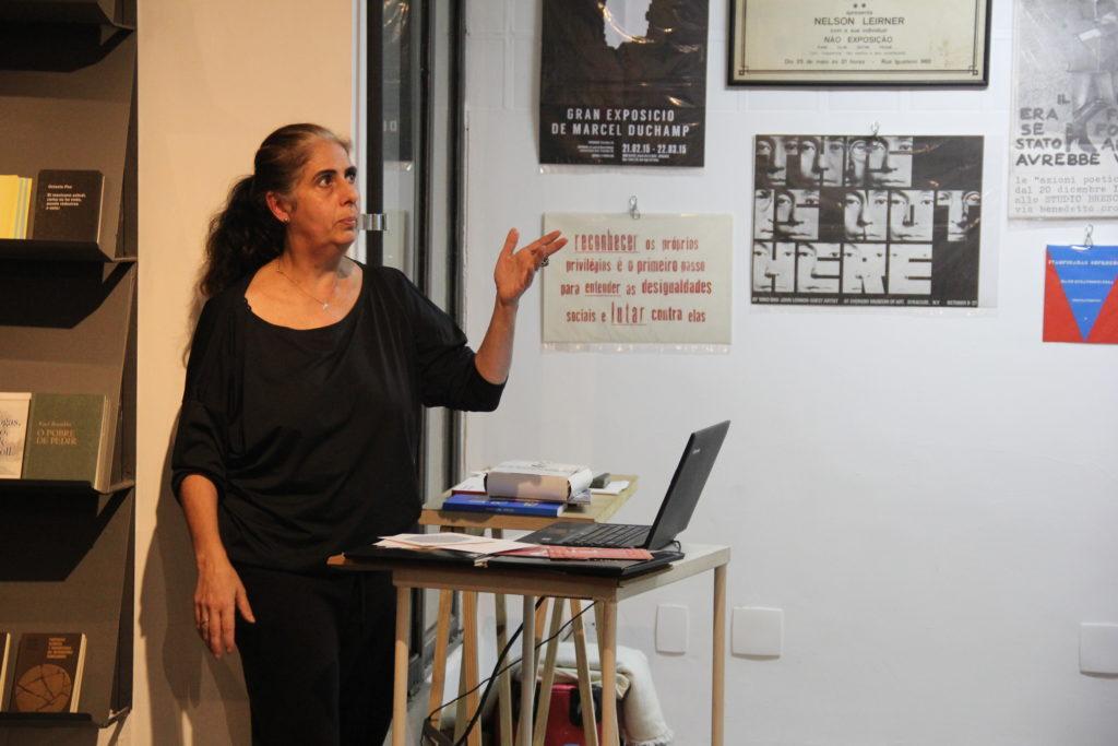 Rita Mourão presents her research trip in Switzerland at Casa Plana, São Paulo