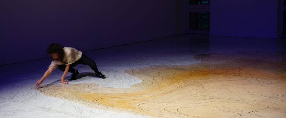 «El color del Rio» performance and graphote drawing by Jimena Croceri @Marble Faena Arts Center ©Jimena Croceri