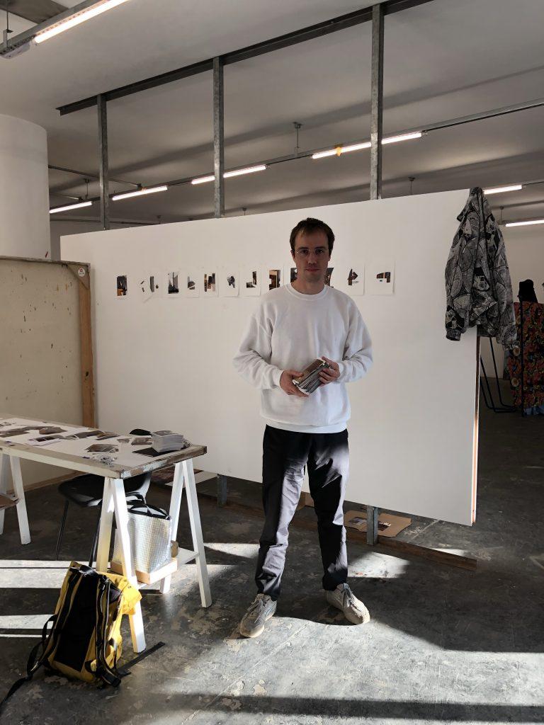 Nicholas Delaroche in his studio at Pivo ©COINCIDENCIA