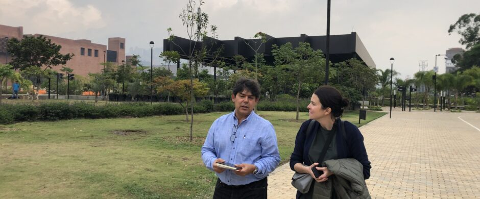 TRANSFER team with the architect Jorge Pérez Jaramillo visiting Parques del Río, Medellín, March 2019© TRANSFER